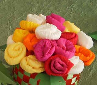 roza iz gofrirovannoi bumagi 6 Розы из гофрированной бумаги своими руками